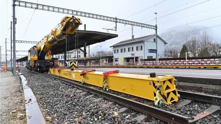 Abbruch als Aufbruch in die Bahnzukunft: Mit dem Umbau des Bahnhofs Oensingen beginnt ein grosser Wandel.