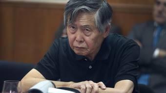 Angeblich unheilbar krank: Der inhaftierte Ex-Präsident von Peru, Alberto Fujimori - nun begnadigt vom Amtsinhaber. (Archivbild von Oktober 2013)