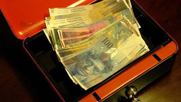 Ein Inkassobüro Stellt über 50 Personen An Den Schuldenpranger Im