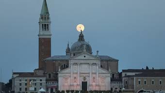 Die Kirche San Giorgio Maggiore in Venedig. Ab 2019 sollen Kreuzfahrkolosse nicht mehr durch die Altstadt von Venedig fahren.