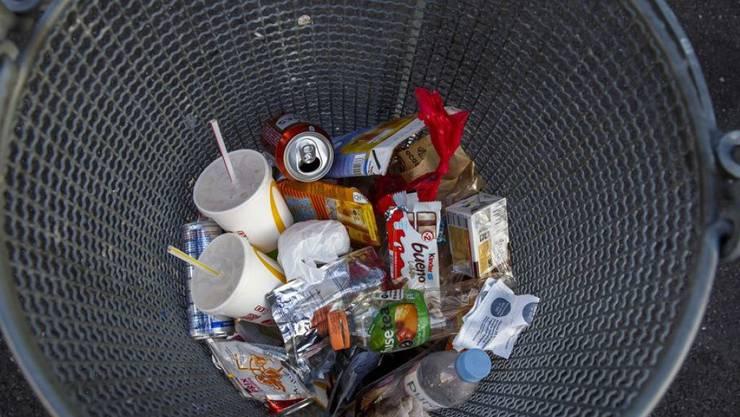 703 Kilo Siedlungsabfall produzierte 2018 jeder Einwohner und jede Einwohnerin der Schweiz im Schnitt. Das sind nur vier Prozent weniger als im Rekordjahr 2008. In ganz Europa produzierten 2018 nur Dänemark und Norwegen noch mehr Müll als die Schweiz (Symbolbild)