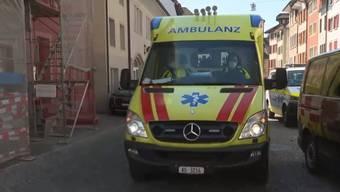 Die Ambulanz fährt wieder davon