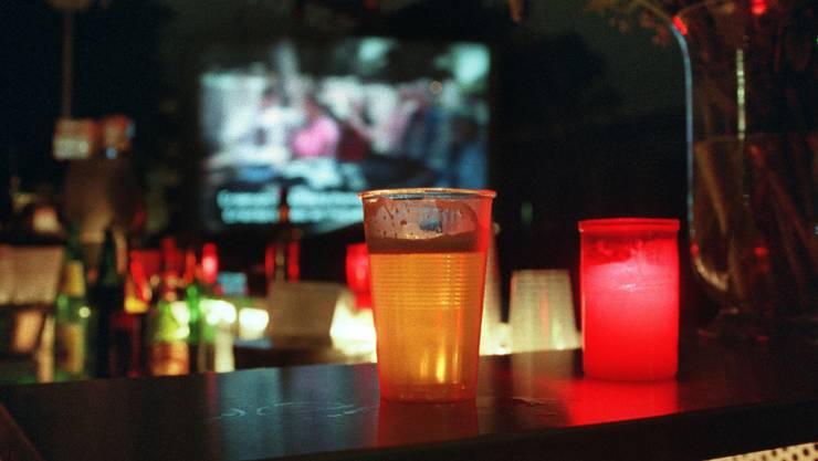Im Kanton Solothurn gelten die Auflagen für Bars und Clubs bis Ende Jahr. (Symbolbild)