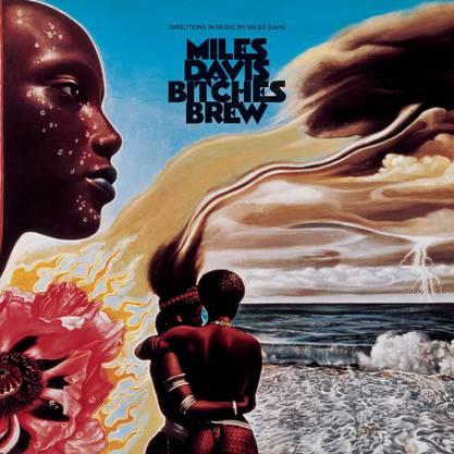 Vor 50 Jahren : Bitches Brew «Bitches Brew», gleich nach «Woodstock» aufgenommen, gilt als Initialzündung für die Hinwendung des Jazz zum Rock. Das Album beeinflusste Legionen von Fusion- und Jazzmusikern und nimmt im Werk von Miles Davis und in der Entwicklung des Jazz eine herausragende Stellung ein.