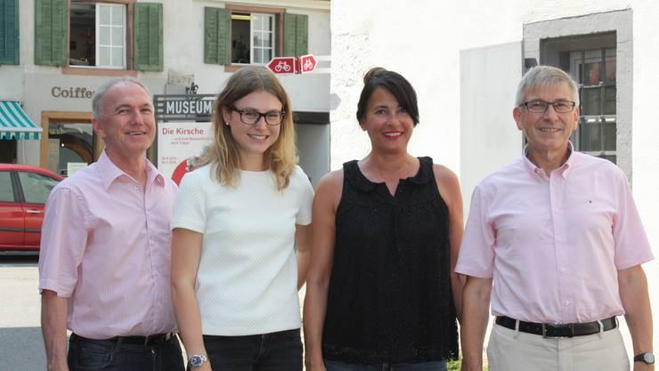 Sie sollen 610 Plakate bekommen: Jürg Wiedemann (von links), Saskia Olsson, Caroline Mall und Hans Furer.