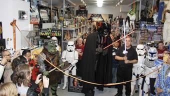 """Blick ins """"Star Wars""""-Museum Rancho Obi-Wan. Ein Stammgast hat über längere Zeit bei Besuchen jeweils Stücke mitlaufen lassen - zusammen etwa 100 im Wert von 200'000 Dollar. Nun kommt er vor Gericht. (Archivbild)"""