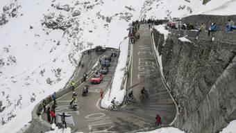 Temperaturen um den Gefrierpunkt am Giro 2020: Der Aufstieg zum Stilfserjoch auf 2757 Meter über Meer verlangte den Fahrern alles ab