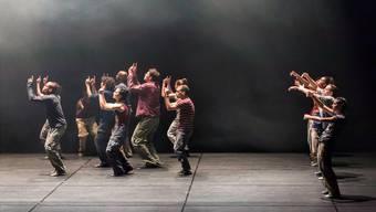 Alle wollen an die Honigtöpfe des Kantons: Eine Choreografie am Theater Basel.
