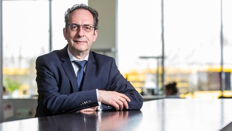 Norbert Riedel im AZ-Newsroom in Aarau.