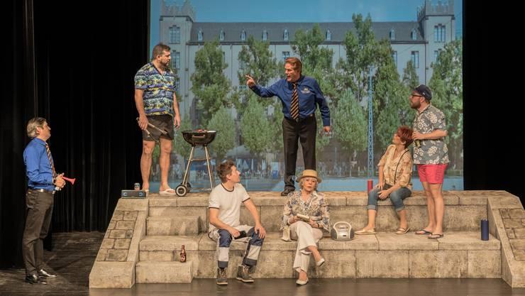 Am Rheinbord geht die Stimmung hoch: Das Mimösli im Häbse-Theater zielt mit den Pointen eher auf die Basler Linke.
