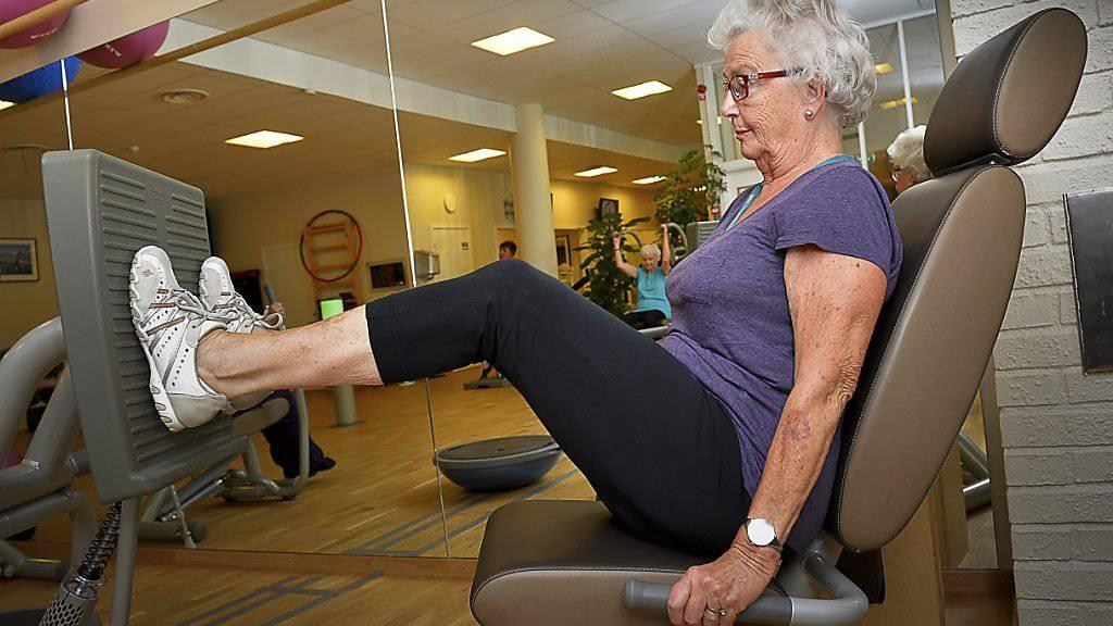 Körpertraining ist wichtig - auch im Alter (Archiv).