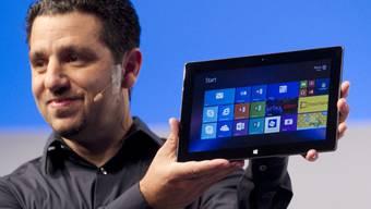 Surface-Chef Panos Panay stellt das neue Tablet vor