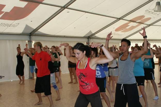 Gymnastik Choreographie zu Michael Jacksons Thriller
