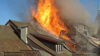 Dank einem Grossaufgebot von mehreren Feuerwehren aus der Region konnte Schlimmeres verhindert werden.