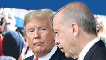 Nach seinen Drohungen gegen die Türkei hat US-Präsident Donald Trump am Montag mit dem türkischen Präsidenten Recep Tayyip Erdogan telefoniert. (Archivbild)