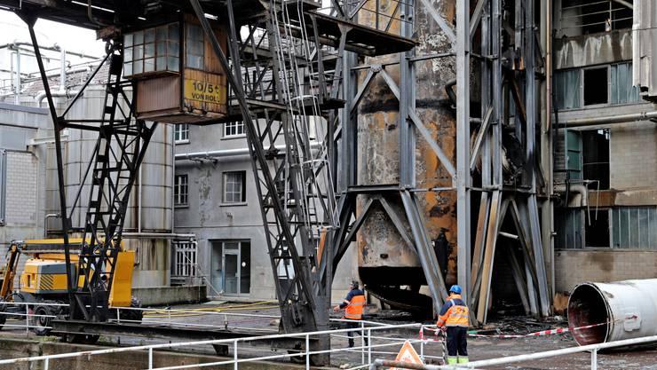 Das Gerippe des abgebrannten Turms samt Tank auf dem ehemaligen Borregaard-Areal