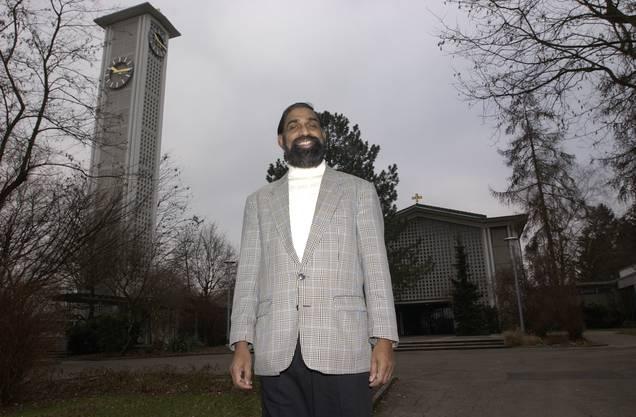 Pater Antony, neuer Pfarrer der Weststadtkirche, am 1.2.2004 im Amt.