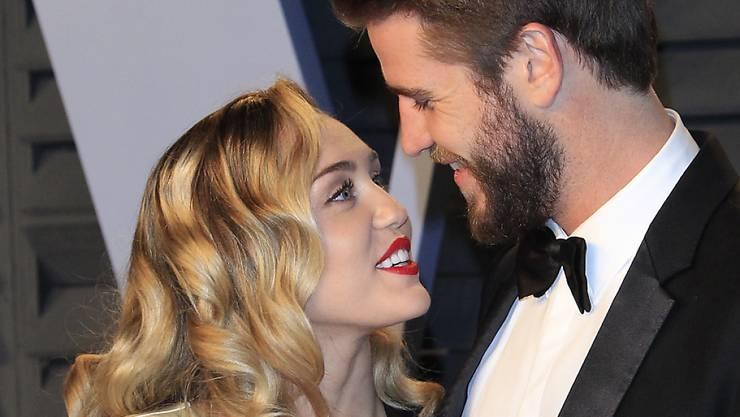 """Haben im Dezember 2018 """"Ja"""" gesagt: Sängerin Miley Cyrus und Schauspieler Liam Hemsworth. (Archivbild)"""