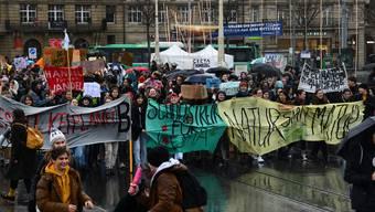 Im Dezember demonstrierten die Basler Schüler ein erstes Mal.