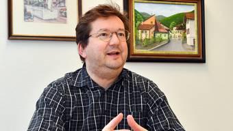 Gemeindepräsident Martin Bühler sucht sesshafte Einwohnerinnen und Einwohner.