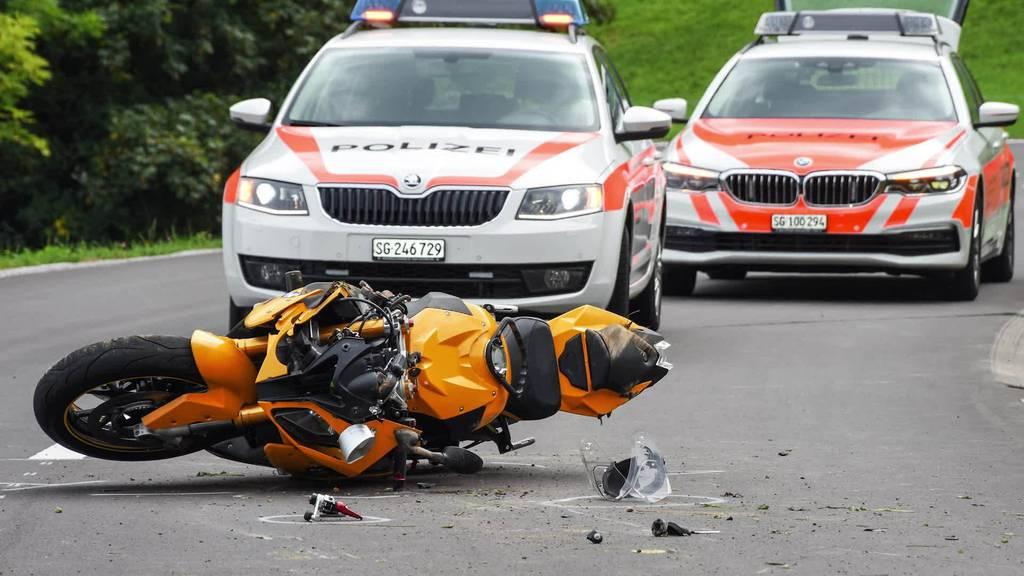 Kurznachrichten: Töffunfall, Autounfall, Brand