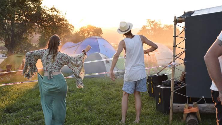 Zum Abschied ein Tanz in den Sonnenuntergang.