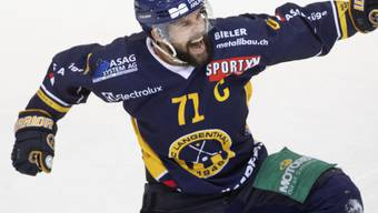 Glänzend in Form: Langenthals Captain Stefan Tschannen erzielte beim Spitzenkampf gegen Ajoie zwei Tore