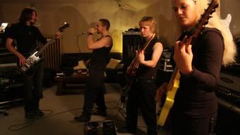 Die junge Metal-Band «Atlas&Axis» feiert ihre erste Plattentaufe