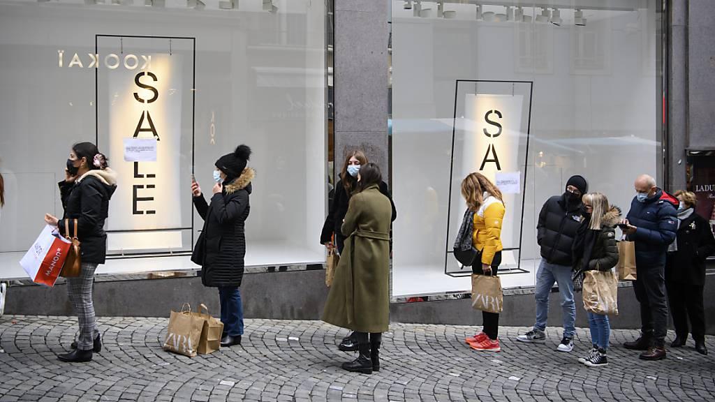 Umsatz und Gewinn von Zara-Besitzer Inditex schrumpfen