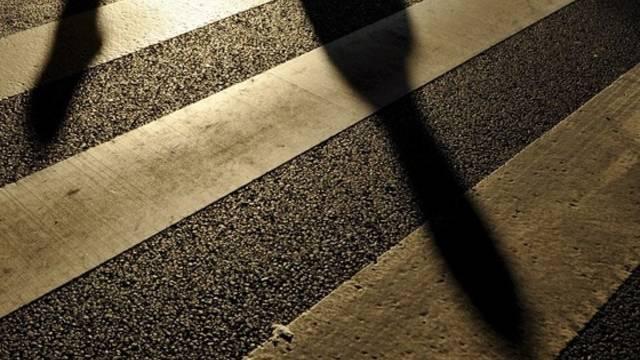 Der Autolenker beging Fahrerflucht, nachdem er den elfjährigen Schüler auf dem Fussgängerstreifen angefahren hat (Symbolbild).