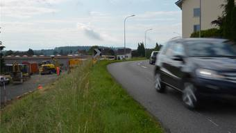 Noch rollt der Verkehr normal, aber die Vorarbeiten für die Erstellung des Kreisels Vorstadt haben begonnen.