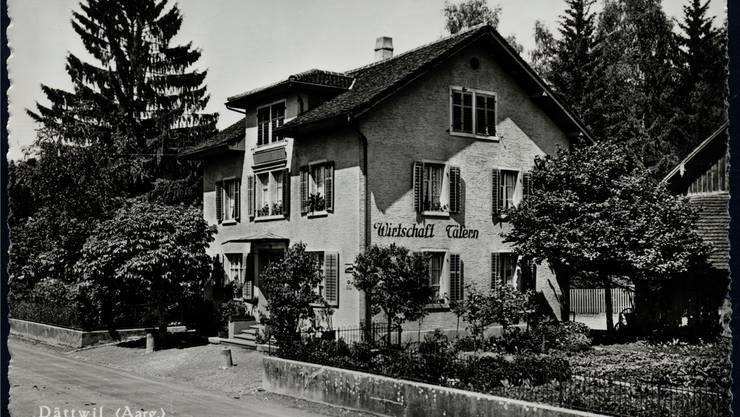 Aufnahme aus den 1950er-Jahren: Der Haupteingang der «Täfern» war damals noch zur Hauptstrasse hin ausgerichtet. zvg