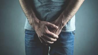 Prostata-Entzündungen bei Männern sind eher selten. Etwa jeder zehnte Mann leidet einmal im Leben darunter.