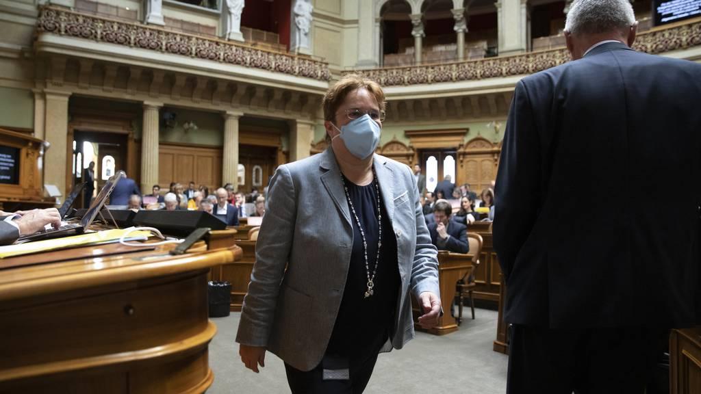 Die Bündner SVP-Nationalrätin Magdalena Martullo Blocher ist überzeugt, dass Schutzmasken bei der Eindämmung der Pandemie helfen.