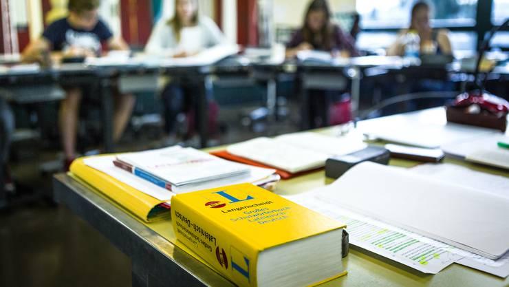 Maskenpflicht oder nicht? Dafür brauchts jetzt mindestens einen Taschenrechner an Aargauer Schulen wie hier an der Kanti Zofingen.