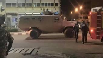 Nach der Attacke kam es zu Schusswechseln zwischen den Terroristen und Soldaten.