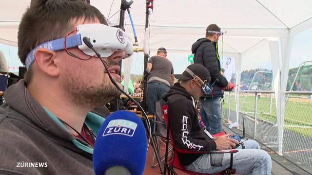 Sich wie ein Vogel fühlen – Drohnenrennen machen's möglich
