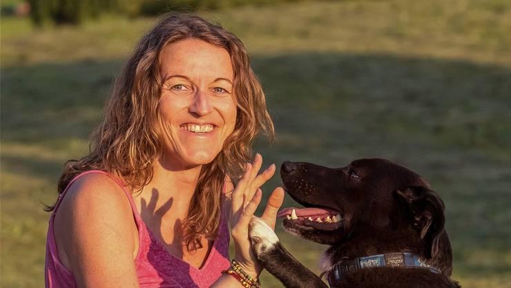 Die 44-jährige Daniela Lüscher möchte den Menschen die Angst vor dem Tod ihrer Haustiere nehmen. zvg