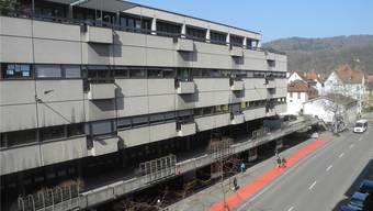 Auf dem Badener Postareal sind vorerst keine Neubauten vorgesehen – der Grundeigentümer will das Postareal in den nächsten Jahren allenfalls leicht umbauen.