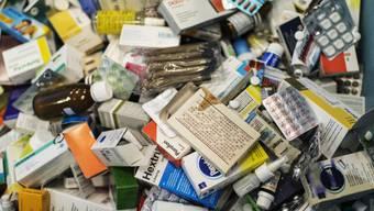 Gefälschte Medikamente könnten die falsche Dosierung enthalten. (Symbolbild)