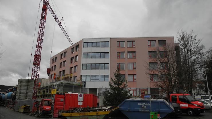 Die Arbeiten am Alterszentrum Bruggbach kommen planmässig voran. mf