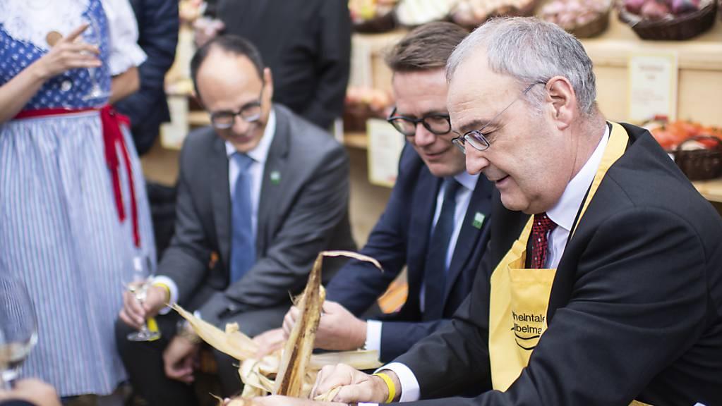 Als Bundespräsident Guy Parmelin (SVP) am 7. Oktober die Olma besuchte, waren die Coronatests noch gratis. (Archivbild)