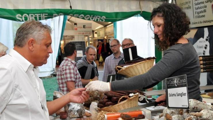 An der Agrogast gibt es Weindegustationen und andere französische Spezialitäten wie Foie gras, Nugat, Konfitüren, eine grosse Auswahl an Käse sowie Charcuterie aus dem Limousin oder Korsika zu degustieren.