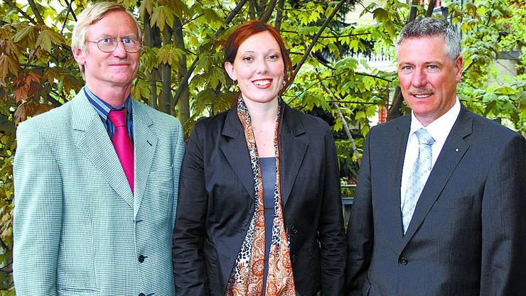 Wechsel im Vorstand:  Präsident André Bourquin (rechts) mit Josef Bader (Mümliswil), der nach 22 Jahren Tätigkeit in der Werbekommission den Vorsitz an Deliah Kyburz (Olten) übergibt. (Bild: JS)