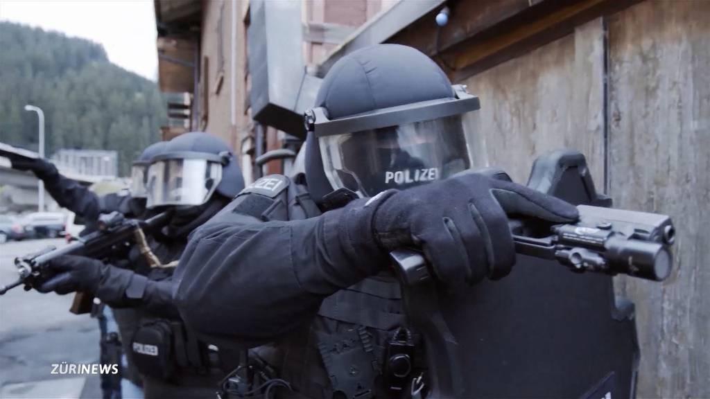 Aufwendigen Actionfilm produziert: Schwyzer Polizei sucht Nachwuchs