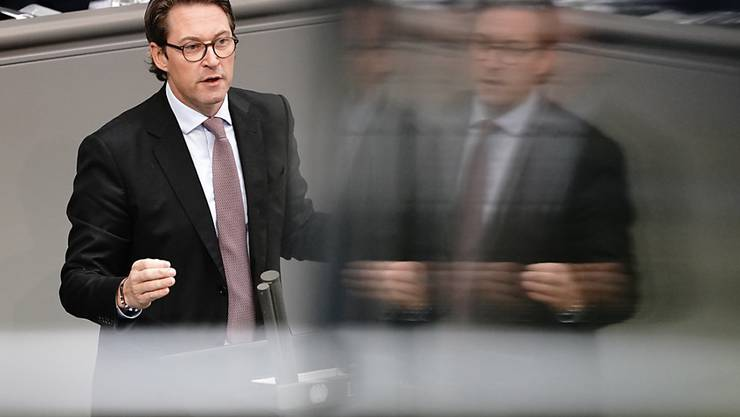 Andreas Scheuer (CSU), Bundesminister für Verkehr und digitale Infrastruktur, spricht im Bundestag zu Beginn der Haushaltswoche zu den Abgeordneten. Foto: Kay Nietfeld/dpa