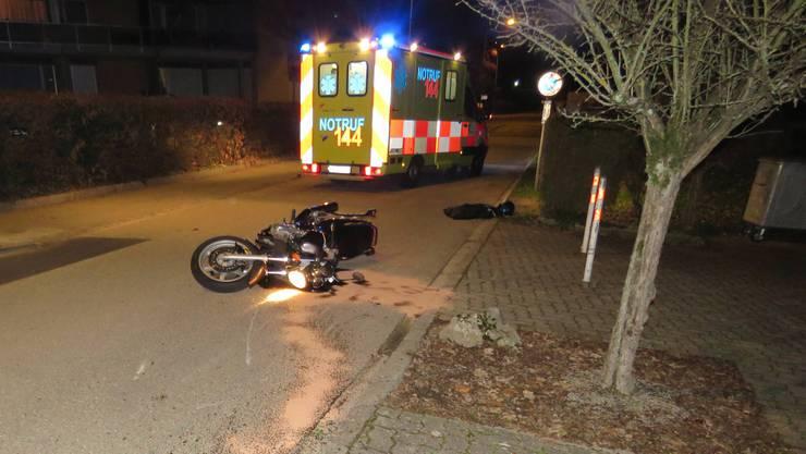 Der Fahrer dieser Maschine kam mit leichten Verletzungen davon.