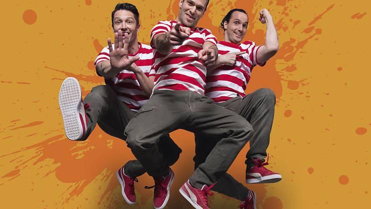 """Für sein neues Programm """"Jump"""" hat sich das Berner Trio Starbugs Comedy ein paar besonders verrückte Nummern einfallen lassen. Aber nicht deshalb gehen die drei zum Psychotherapeuten - sondern dem Gruppen-Zusammenhalt zuliebe. (zVg)"""