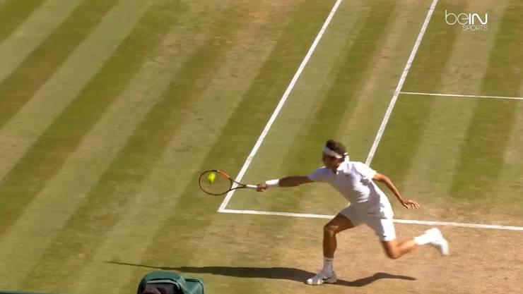 Unglaublich, dass Federer aus dieser Position gleich einen Winner schlägt.