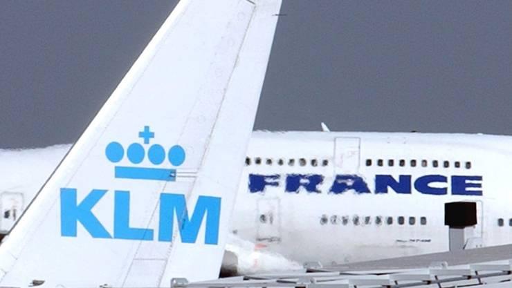 Flieger von Air France und KLM am Pariser Flughafen (Archivbild).
